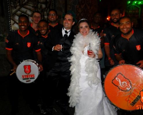 Casal com Status Samba Show