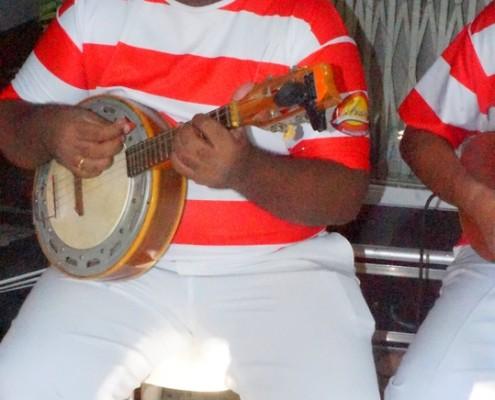 Murilo e seu banjo em roda de samba