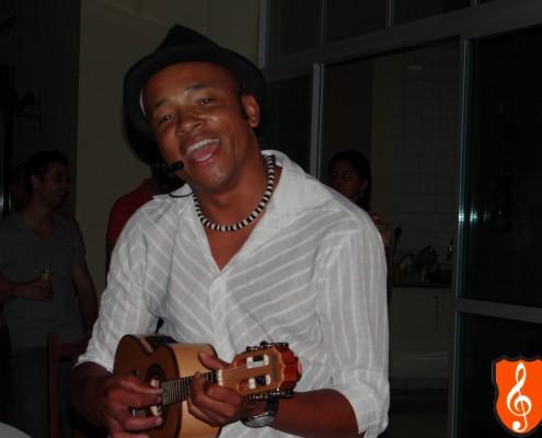 Adriano Souza - Cantor em Festa de Aniversário