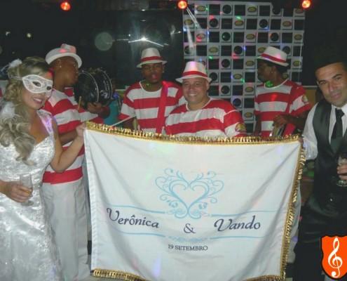 Festa de Casamento Rio de Janeiro Veronica e Vando - Bateria de Escola de Samba- Bandeira Personalizada