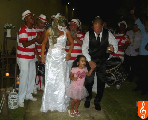 Festa de Casamento Rio de Janeiro Veronica e Vando - Bateria de Escola de Samba Final Festa