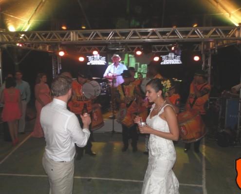 Noivos cariam no samba