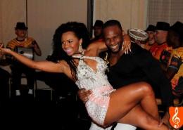 Casal Ulises e Cintia em Dança de Gafieira em evento corporativo