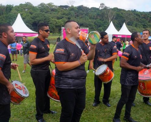 Bateria de Escola de Samba ao Vivo