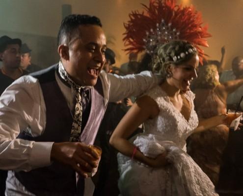 Casal ao Ritmo do Samba da Equipe do Status Samba Show