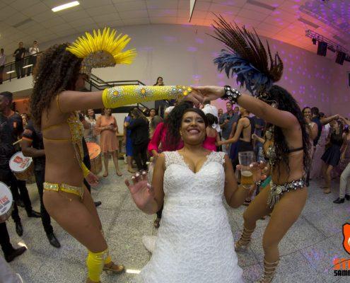 Noiva na Dança da Cordinha