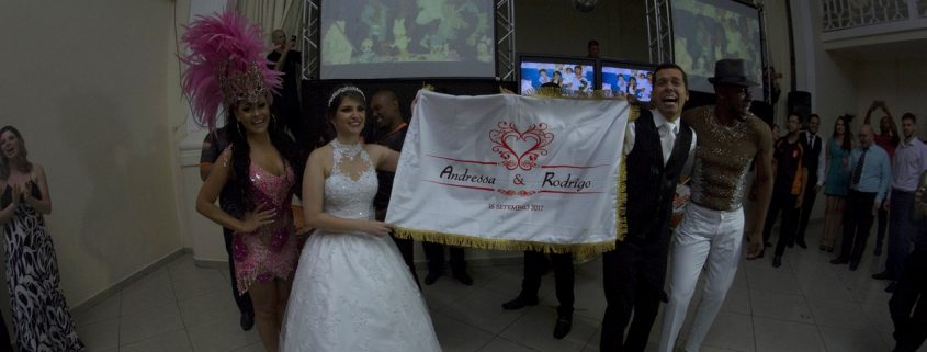 Noivos com sua Bandeira Personalizada - Malandro e Mulata