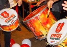 Instrumentos de Escola de Samba em Ação