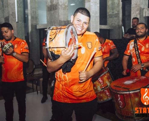 Carlos Augusto - Carlinhos - Sombrinha em Show Status Samba Show